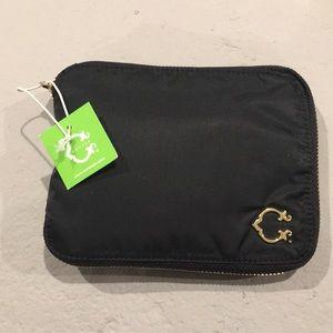 C Wonder Zip Around Pop Out Bag